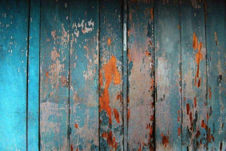 16 Ways How To distress Wood and Make it Look Old and Weathered