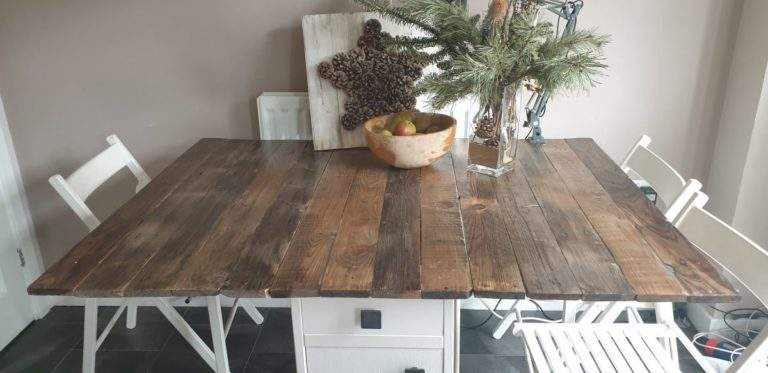 DIY Farmhouse Tabletop From Pallet Wood-A Kitchen Table Makeover