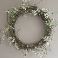 DIY Spring Wreath – Simple and Fresh 15 Minutes Home Decoration